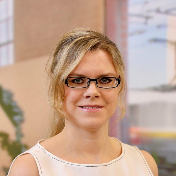 Laura Kos