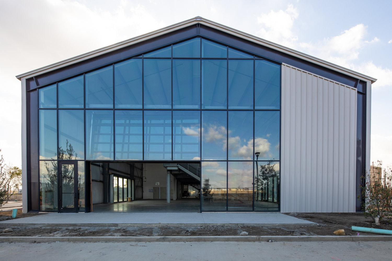 Frank clementi hosts a tour of flight for uli orange - Interior design institute orange county ...