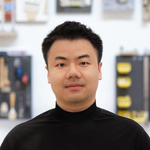 Zhiqian Xu